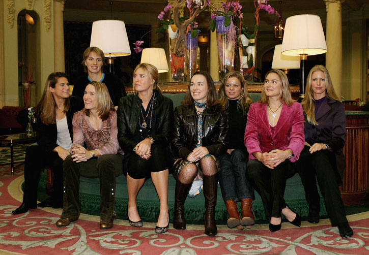 http://www.sharapova.ru/gallery/content/2006/Madrid_WTA_Tour_Championships/046.jpg